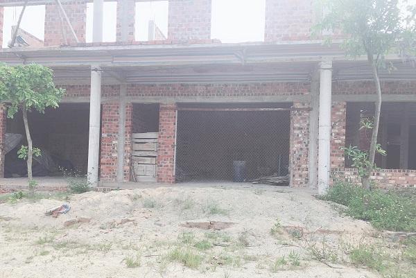 Tránh bị thu hồi đơn vị chủ đầu tư đã xây dựng phần thô dãi nhà hai tầng